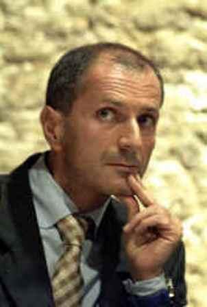 Gianrico Carofiglio: il caos è la norma