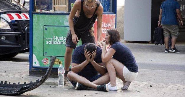 Attentato Barcellona, 13 morti. Rischio di italiani coinvolti. Ultime notizie