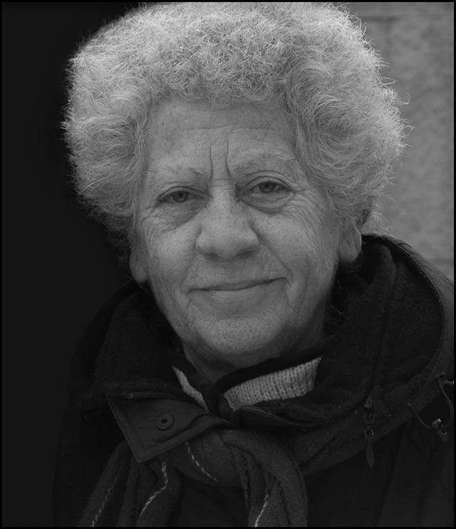 Jolanda Insana, voce poetica italiana, aulica e dialettale, sempre fuori dal coro