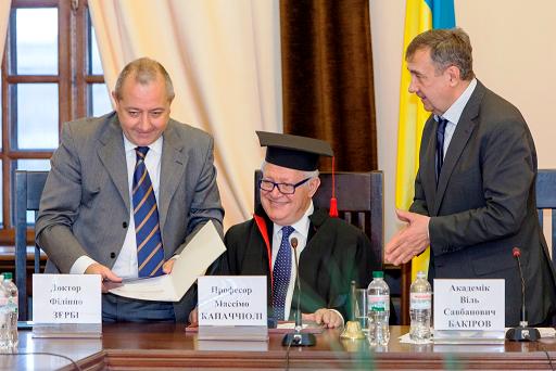 Terza laurea honoris causa internazionale per l'astrofisico Massimo Capaccioli, oggi 7 dicembre
