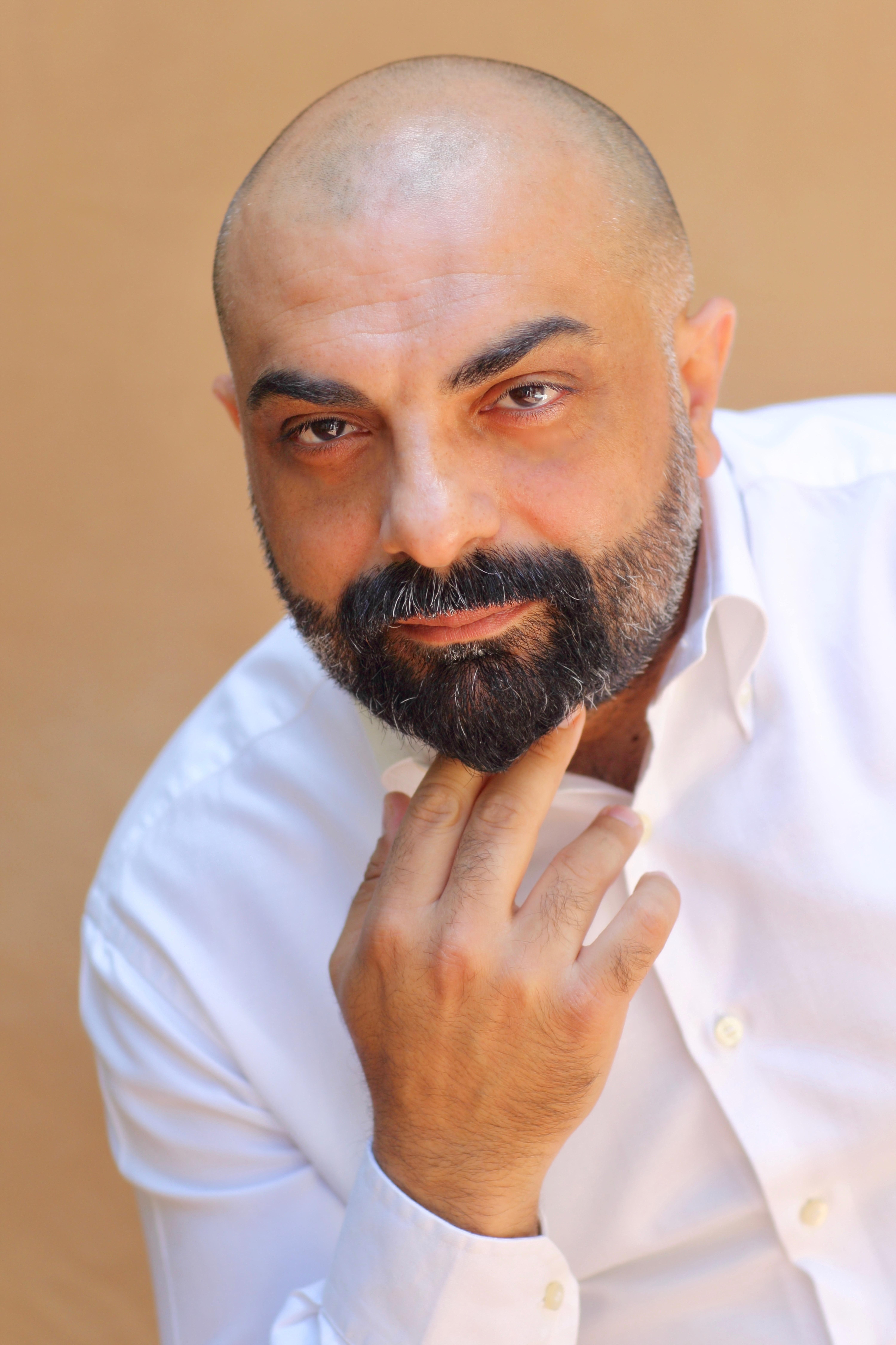 Vincenzo Calì: 'la mia poesia contempla e accetta la realtà'