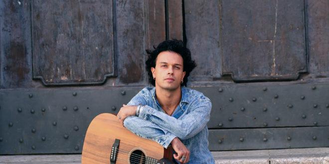 """Valerio Bruner: """"la musica e il teatro mi hanno salvato la vita"""""""