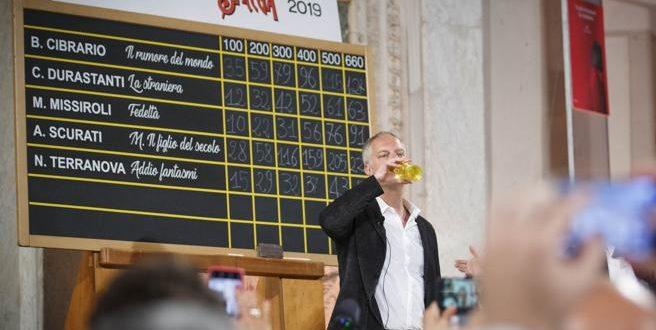 """Strega 2019: vince """"M. il figlio del secolo' di Scurati, tra anacronismi e sviste"""