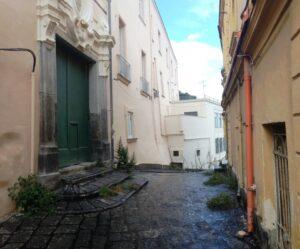 L'ingresso storico dell'antico Monastero di Suor Orsola