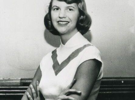 Sylvia Plath, all'asta i suoi cimeli. Uccidono la poetessa preferendole la casalinga tormentata e tradita