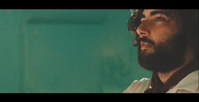 'Per le vie del Paradiso', l'esordio cinematografico di Giuseppe Gimmi. Una dichiarazione d'amore al cinema di Fellini e Sorrentino